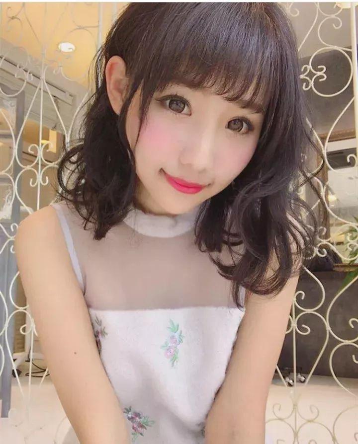空气刘海中长发发型,可爱甜美!图片