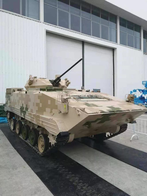 珠海航展公开解放军二代伞兵战车?也许我们想错了!