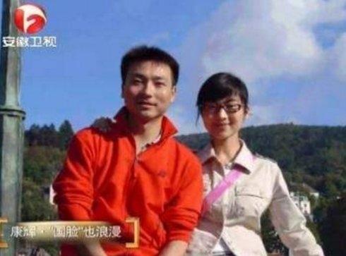 李咏哈文校园恋情修成正果扒扒10大名嘴的爱情故事_凤凰彩票平台