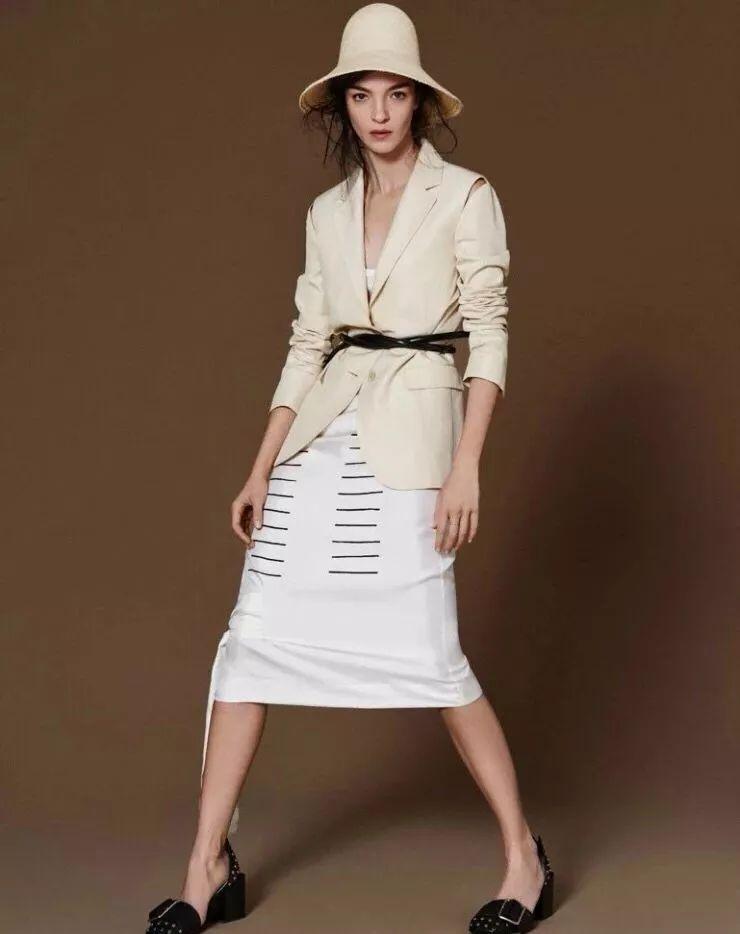 台步能和吉娘娘一较高下的国际超模,她算一个!