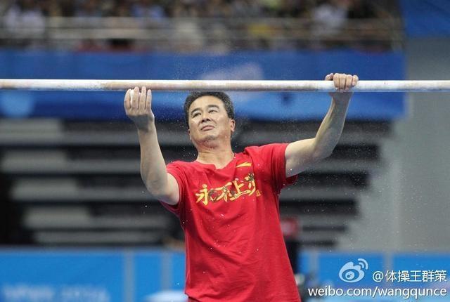 中国女队连续6届世锦赛的冠军全是他的弟子,59岁名帅无愧体操教父