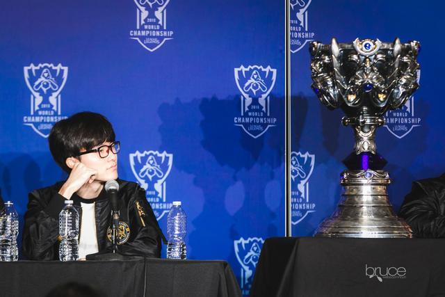 谦逊而不失礼貌,IG夺冠后Rookie致敬Faker:他的高度我仍需努力