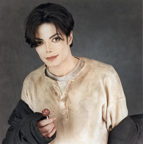 福布斯过世名人收入榜 迈克尔杰克逊18年赚4亿美元