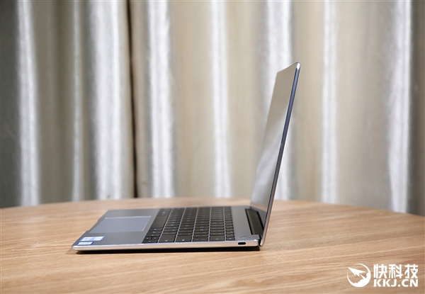 13寸性能最强轻薄本 HUAWEI MateBook 13开箱图赏