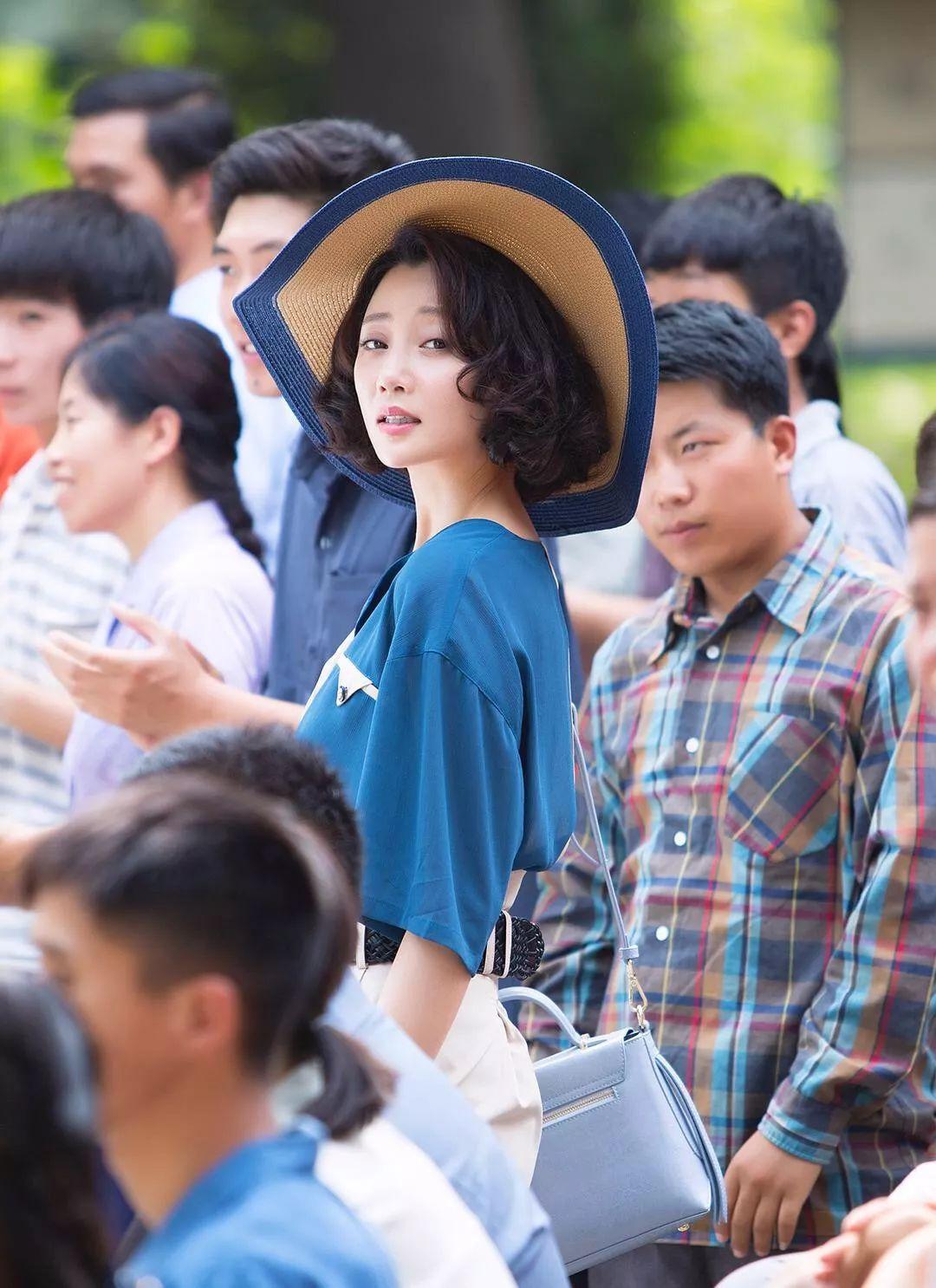 殷桃演的这位程度,最新女孩简直是中国版《麦瑟尔夫人儿童电视剧精致动画片图片