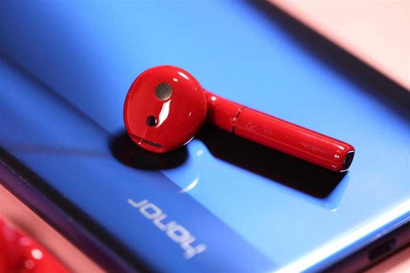 首款AI骨声纹无线耳机 荣耀FlyPods Pro评测:Magic2声音钥匙