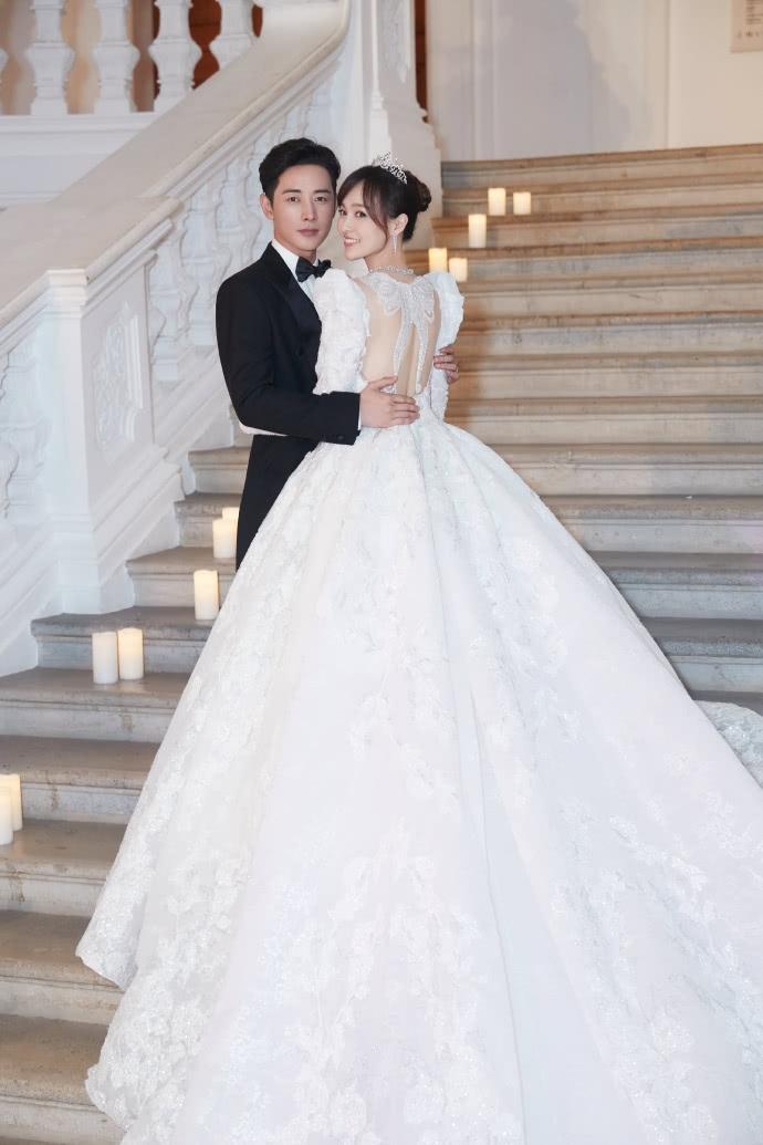 唐嫣谈婚礼最难忘瞬间:说誓言的时候,是罗晋对自己一辈子的承诺