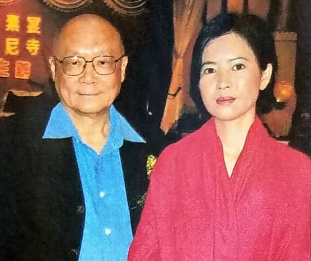 蓝洁瑛昔日熟人出面闹事,82岁的律师自称是她最后一任男友!