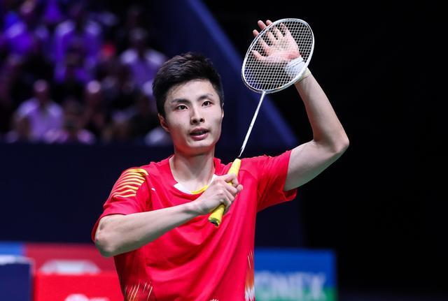 挑战!国羽1号男单完胜日本人晋级8强,将与印尼一哥争4强!