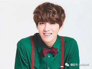男生微卷纹理烫齐刘海发型,感觉就是萌萌哒!图片