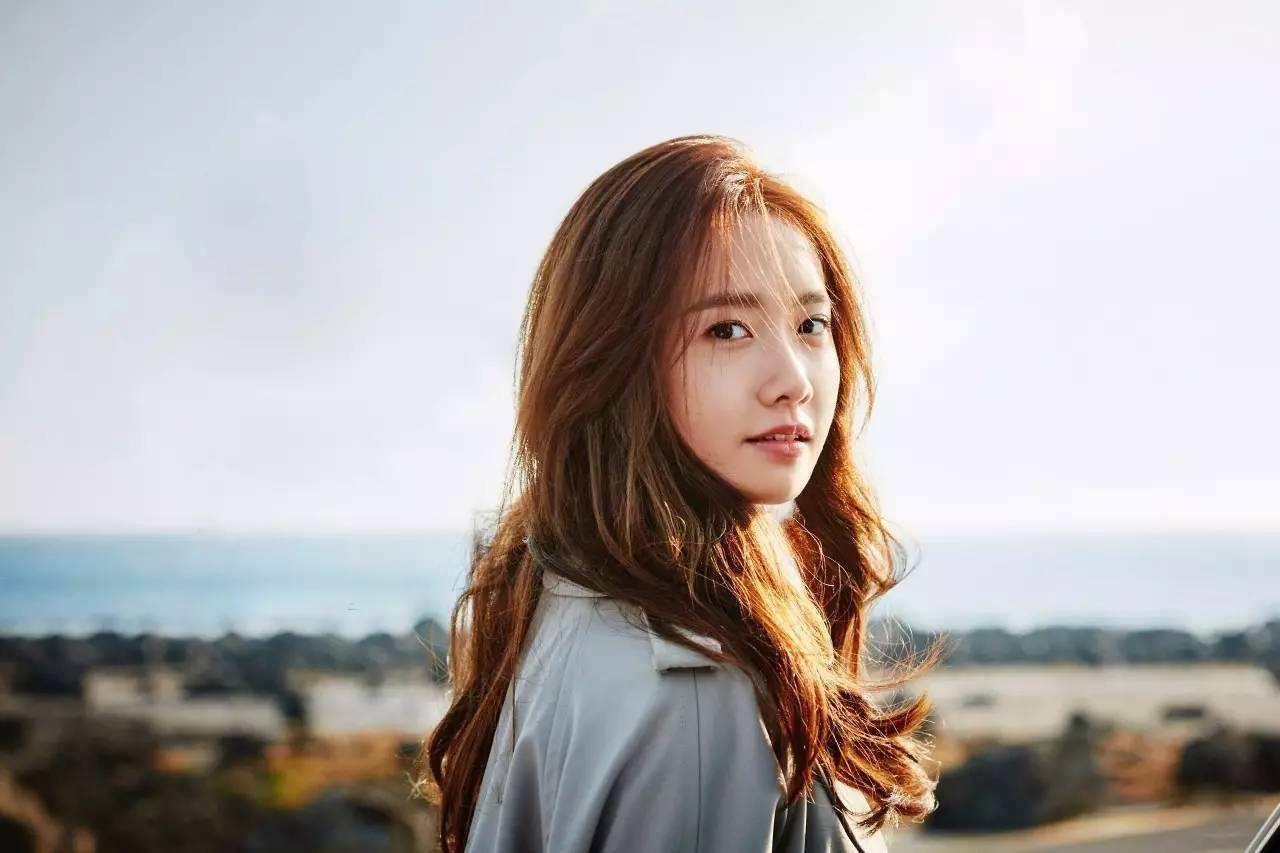 美女被强行拔��b�9�_她力压第二名,韩国公认美女林允儿拔得头筹,为天朝的美颜输出事业添