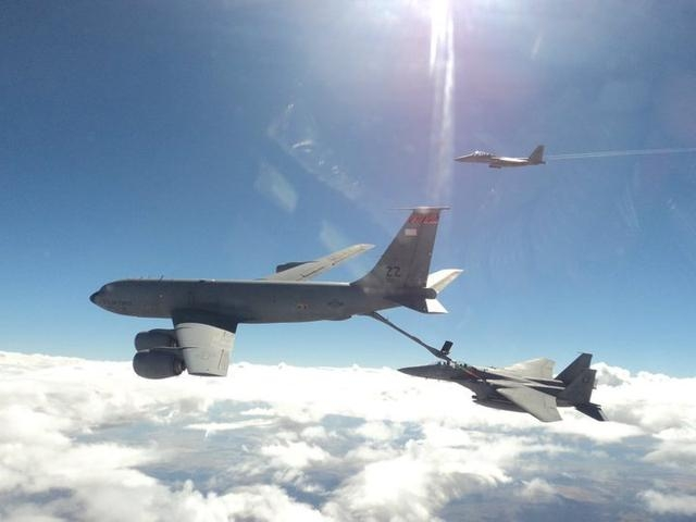 美军拒绝为沙特战机空中加油 土豪只得另购加油机