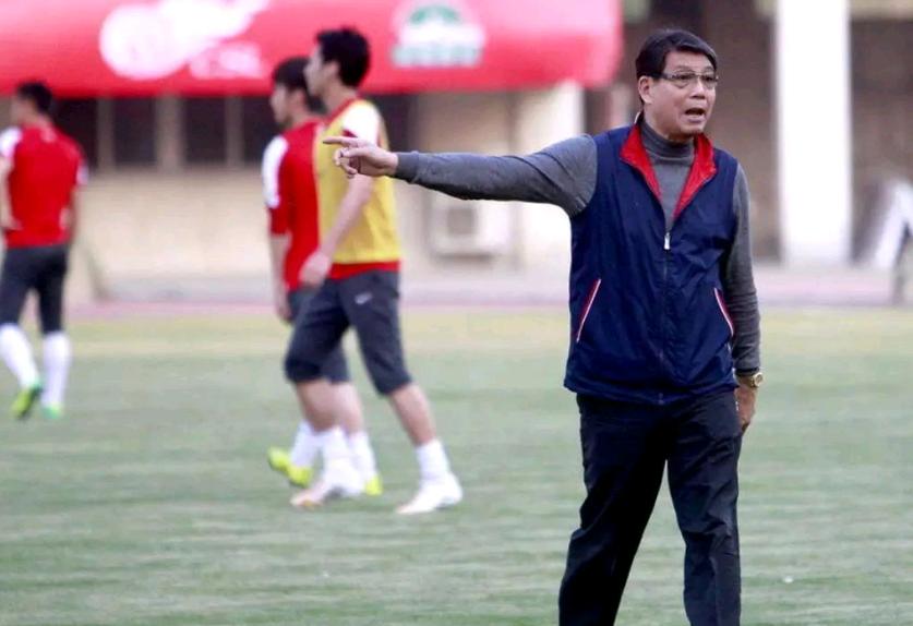 中国足球传来好消息!徐根宝何时退休有了答案:再干15年