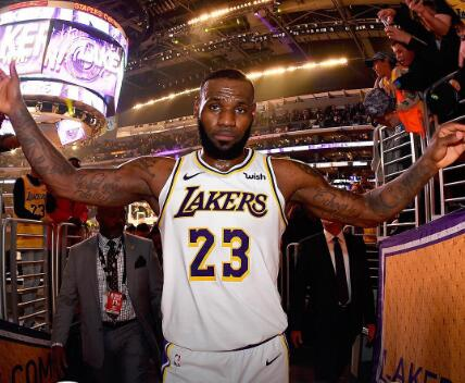 NBA官方发布今日6支获胜球队的赢球图集