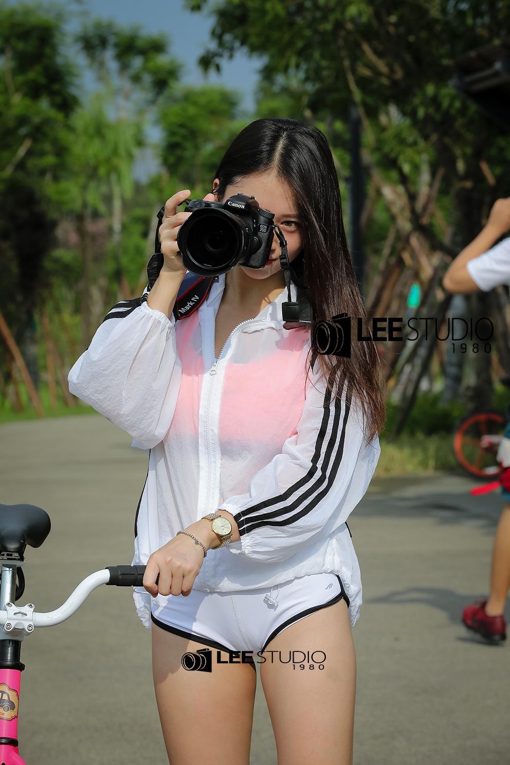 骑妹视频性爱_街拍;搭配青春靓丽,那些女生骑自行车跑步的好处