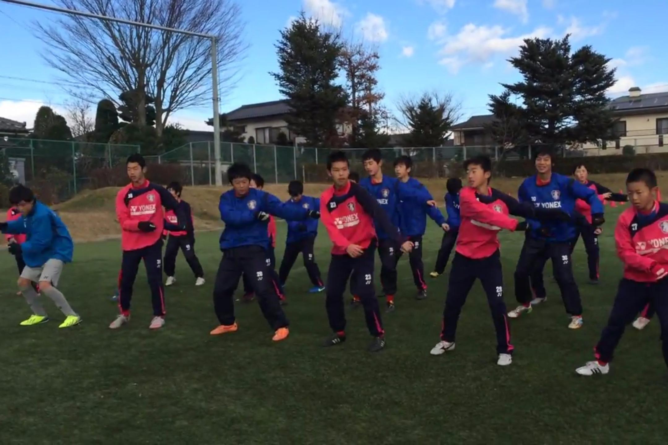 """涨知识!学习一下邻国日本的""""足球操"""",原来这个并非我国独创!"""