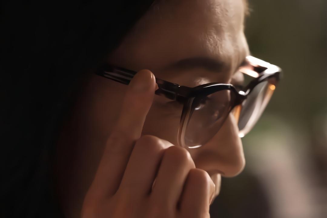 日本打造变焦眼镜,轻松切换远近模式,1.5万块贵不贵