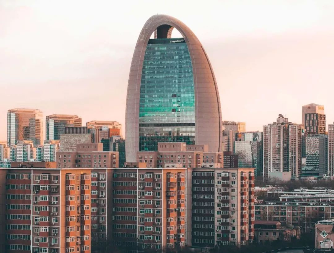 北京长租公寓再爆仓;新加坡共享办公落户香港