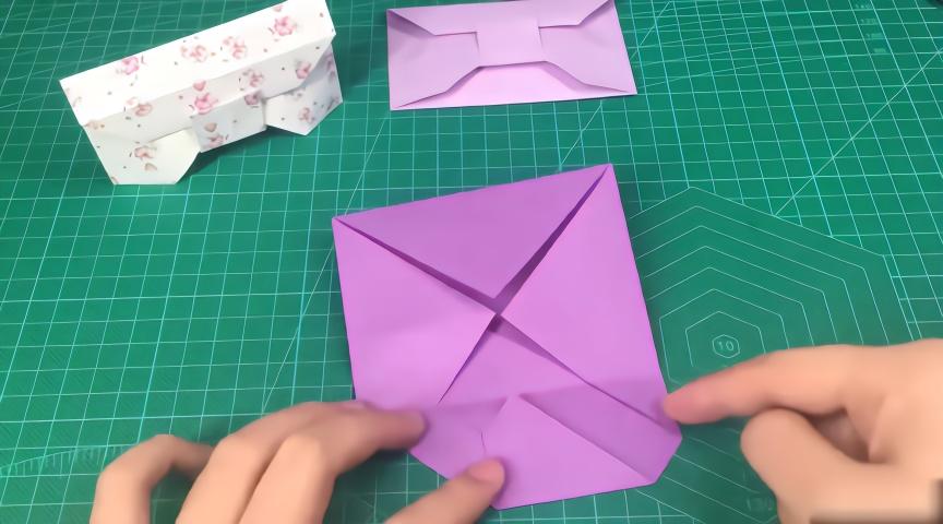 065折纸教程,如何手工制作漂亮又实用的三角形收纳盒