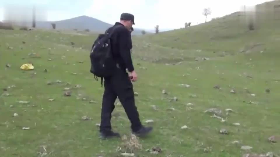 土耳其村庄降下陨石雨 村民一夜暴富