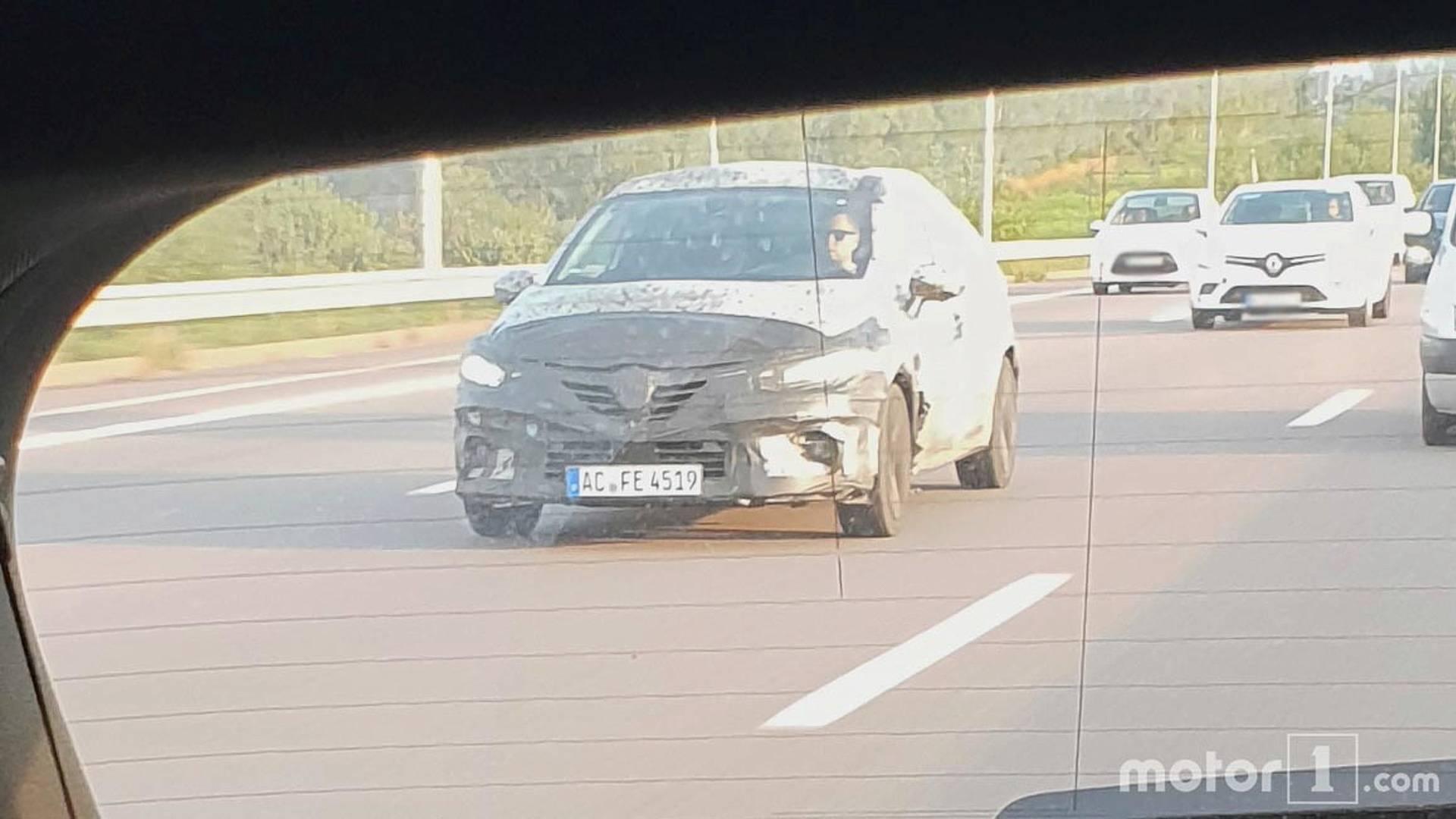 2019款雷诺Clio谍照曝光 或于年内正式发布