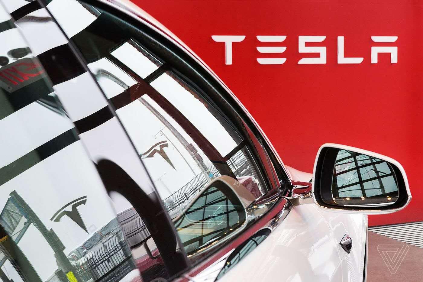 特斯拉官網不再推出全自動駕駛汽車