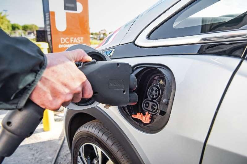 通用汽車呼吁特朗普政府支持零排放汽車項目
