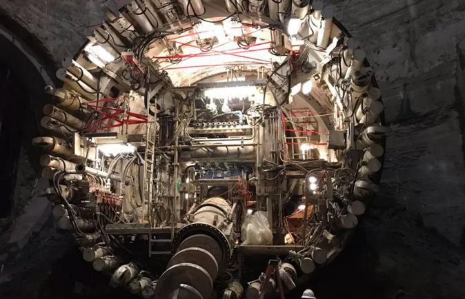 钻探公司Boring公司首条隧道打通 马斯克发推祝贺