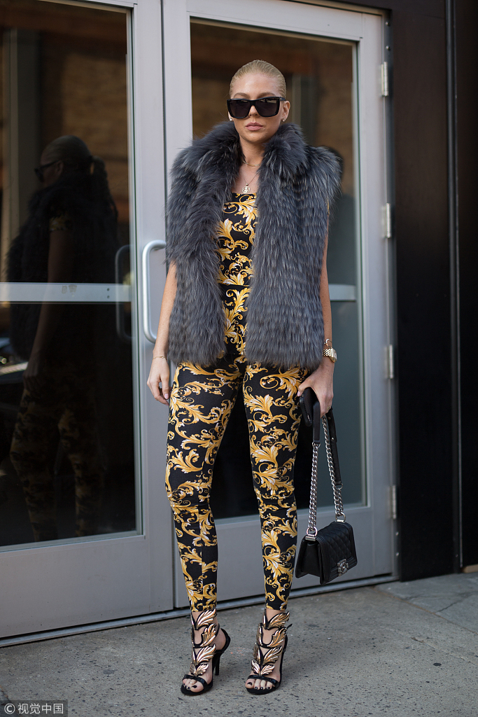 皮草马甲几月份穿_皮草马甲才是时髦精今年冬天最后的坚持_凤凰时尚