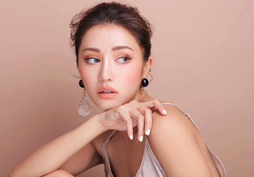 裴秀智晒自拍撒娇腮红才是重点 韩国女星团宠的减龄画法了解一下  美肤网  护肤网站