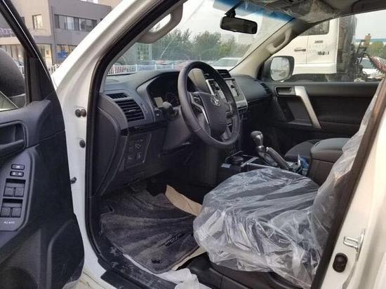 19款丰田霸道3000上市登港 升级配置价格-图5