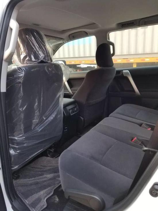 19款丰田霸道3000上市登港 升级配置价格-图6