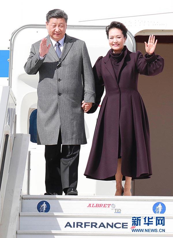 国家主席习近平在巴黎爱丽舍宫同法国总统马克龙会谈