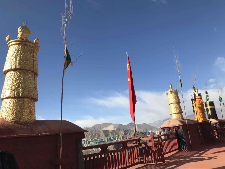 媒体探访西藏僧人:做到和十四世达赖集团划清界限