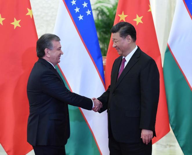 习近平会见乌兹别克斯坦总统米尔济约耶夫