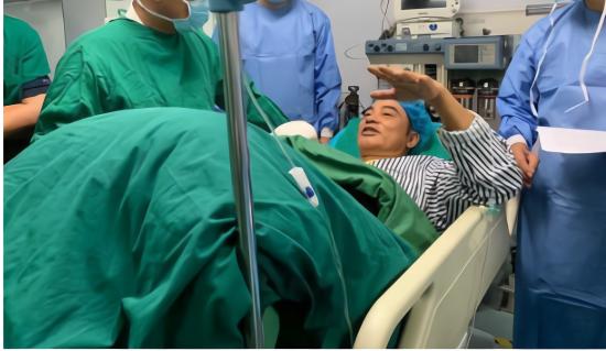 任达华手术过程顺利 经理人霍汶希表示任达华24日便可以出院