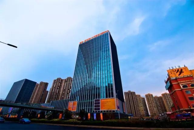 青岛名凤_凤观青岛  同时,城区瞄准第三产业(现代服务业与科技创新),2016年第三