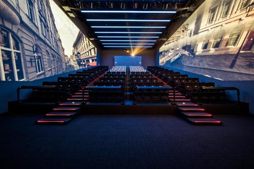 全球资讯_全球最大IAMX荧幕影厅韩国CGV龙山I'PARK MALL开放_中韩频道_凤凰网