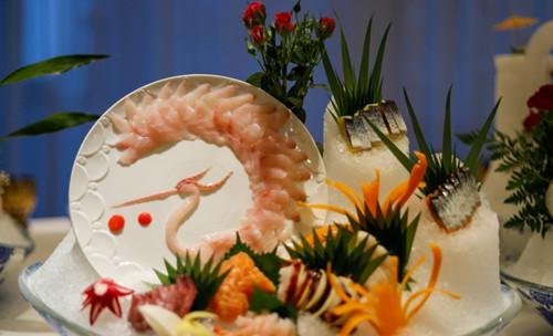 军事资讯_品蕴海鲜姿造,中国青岛唯一艺术盛宴_青岛频道_凤凰网