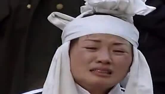 哭灵女_《杏花女哭灵》孝女一段《妈妈》唱哭所有人-凤凰视频-最具媒体