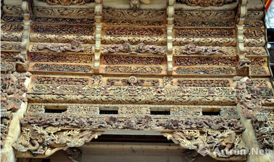 老房子中的木雕工藝