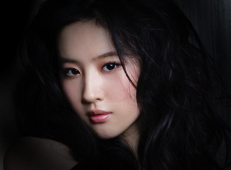 外国著名电影明星_你以为的一些中国明星,却都是外国人_海南频道_凤凰网