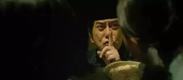 荷兰四级片_黄秋生封刀之作演变态,这部四级片吓得主演都崩溃了!