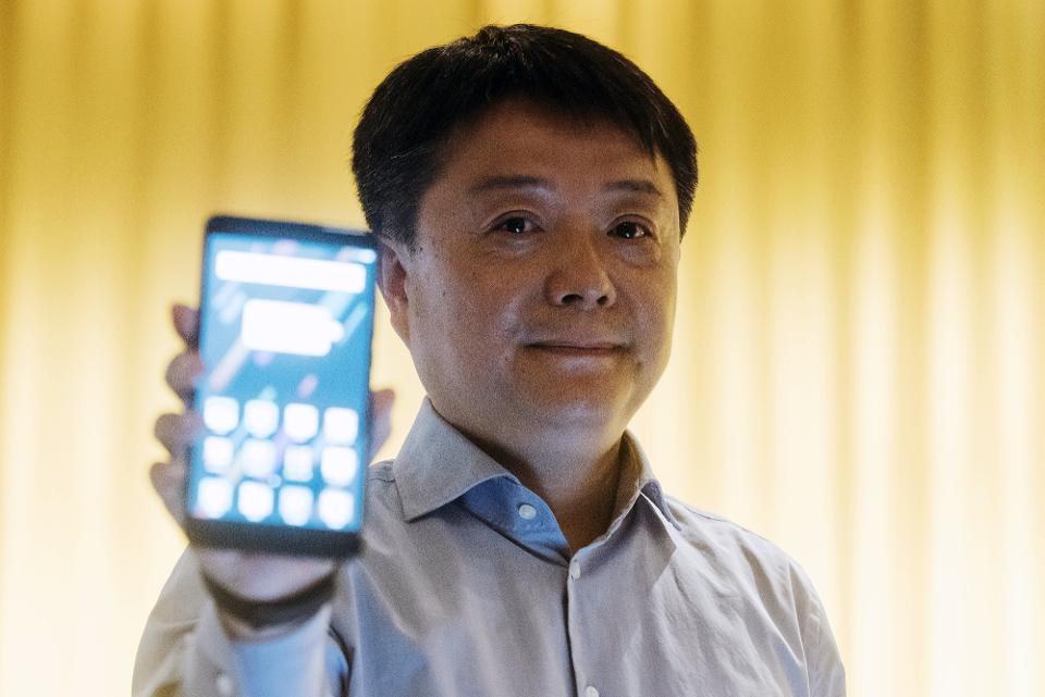 小米傍上谷歌棄miui,海外發布首款原生安卓手機,價格不便宜