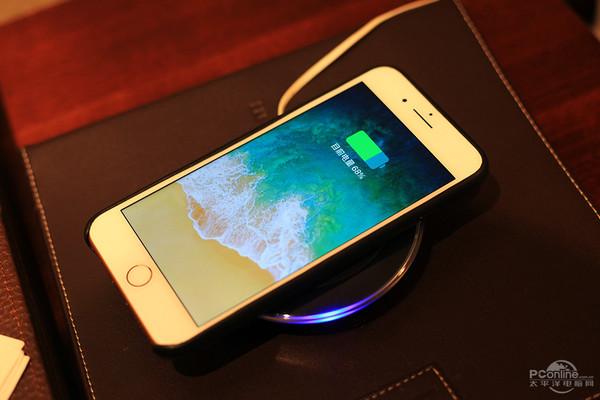 想体验苹果的快充?那iPhone 8\/X该用这个充电