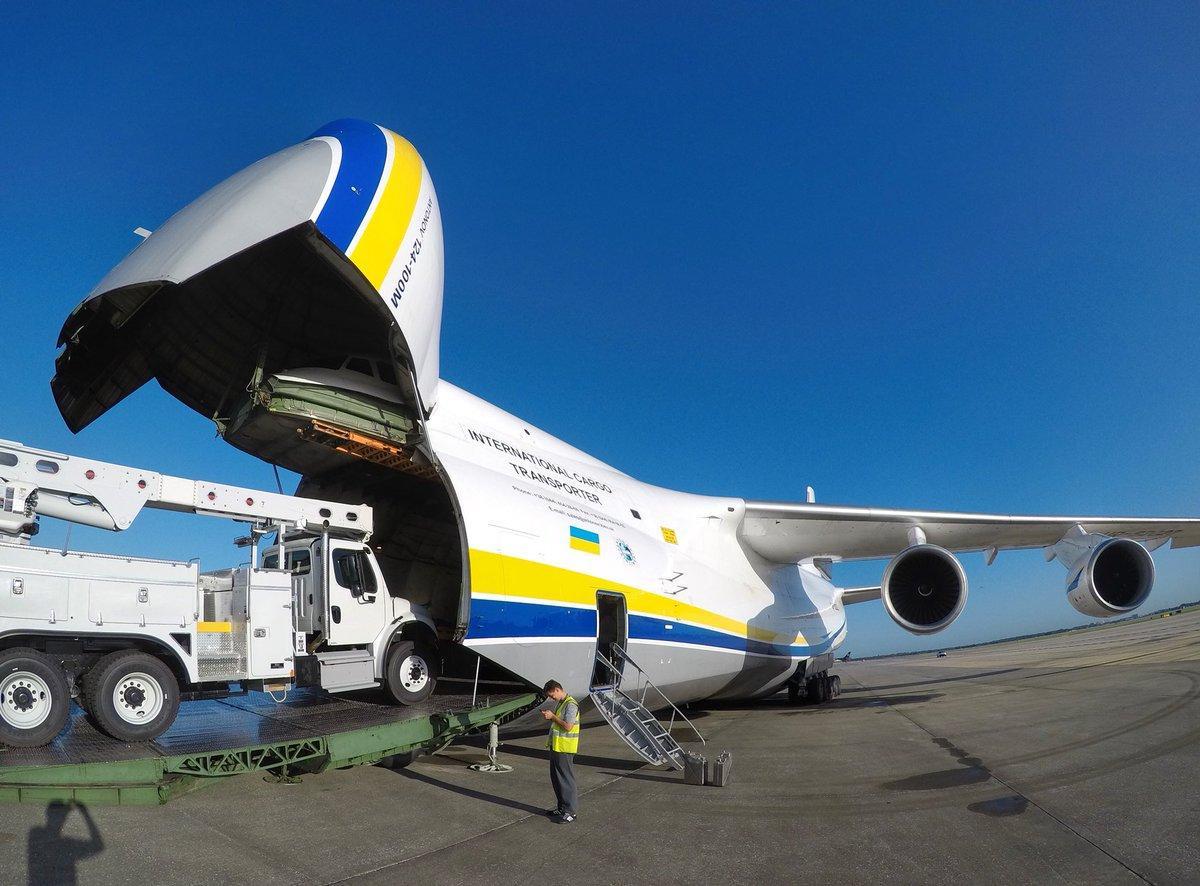 大机票_现役最大飞机 航空飞行器中的巨无霸 运火车跟玩一样
