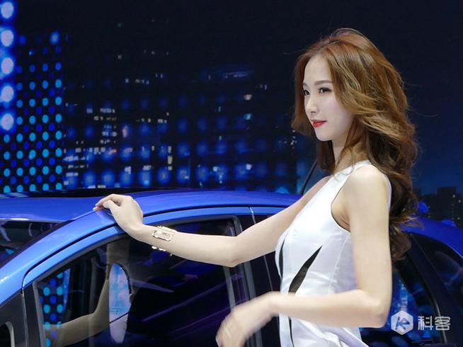 美女中出特别服务vrmb_2017广州车展:除了看车看美女,还有好玩vr体验别错过