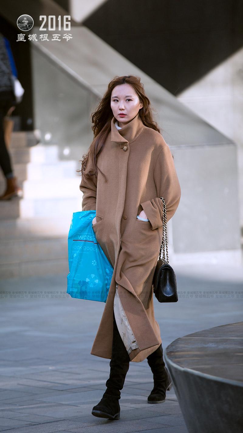 冬天怎么搭配衣服_北京三里屯街拍:冬季服装搭配技巧