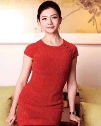 李  颖|她30岁身家上百亿,中国最美女富豪,马云曾千里寻她!