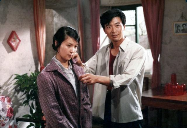 农村拐卖妇女电影黄色_李小璐和她妈比,差远了_凤凰资讯